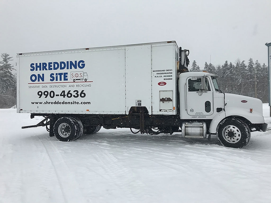 International 4300 Used Shredding Truck